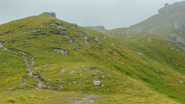 Looking up the path to Cruach Ardrain.