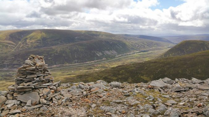 Geal Charn and A'Mharconaich